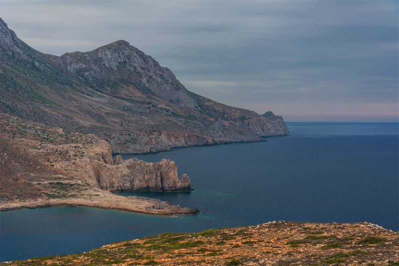природа, пейзаж, море, горы, берег, побережье, греция Скалистый берегphoto preview