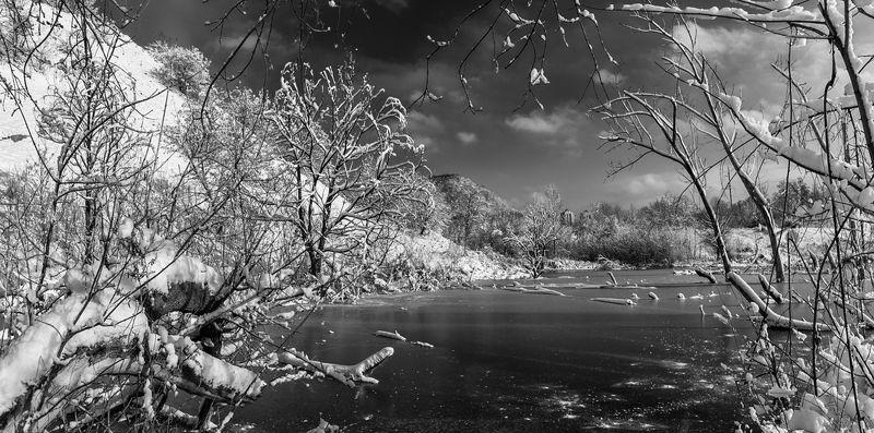 Морозный день, заснувший пруд...photo preview