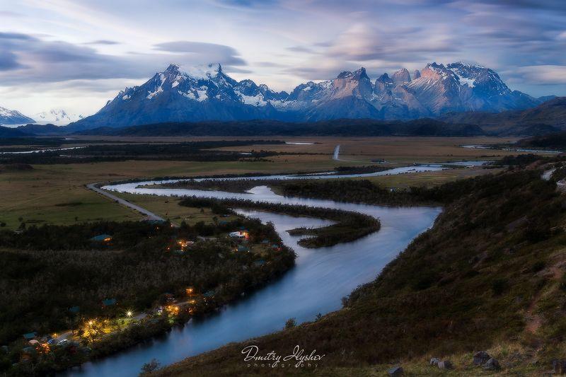 пейзаж, природа, путешествия, сумерки, закат, горы, река, Южная Америка, Чили, Торрес дель Пейне, фототур Патагонияphoto preview