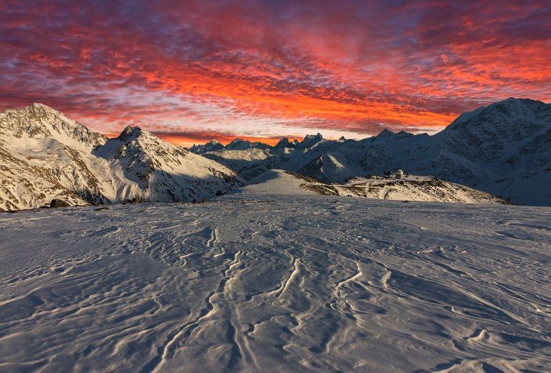 горы, закат багряная вуаль заката...photo preview