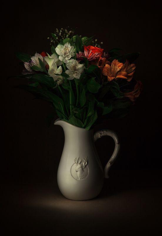 Световая кисть, цветы, букет, кувшин, олень, длинная выдержка Букетphoto preview