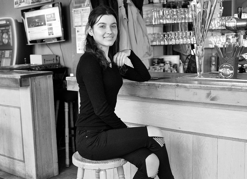 Portraits of bistro owners.photo preview