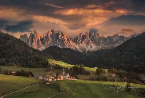 Закат в Доломитовых Альпах