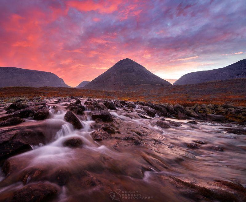 хибины, кольский полуостров Горячий рассвет в холодных Хибинахphoto preview