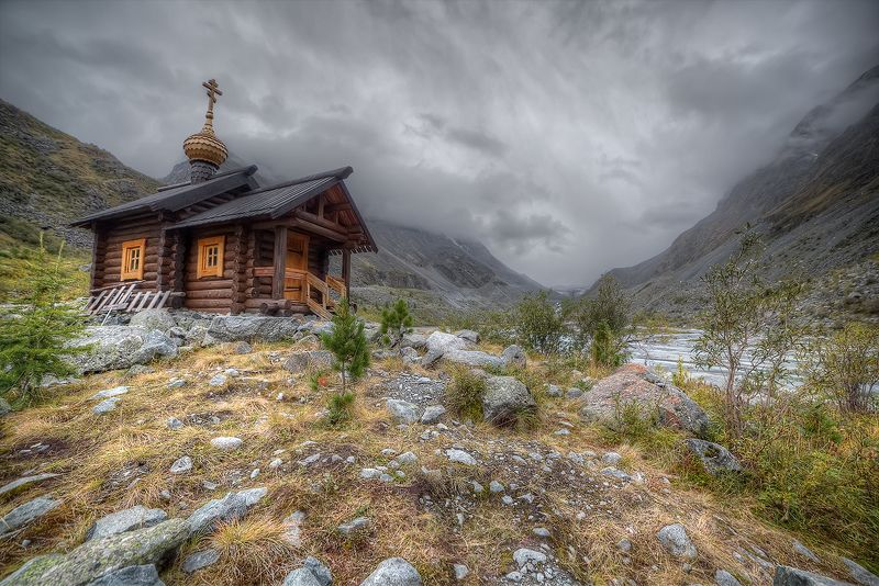 часовня аккем, часовня на озере аккем, высокогорная часовня, горный алтай В Беловодьеphoto preview
