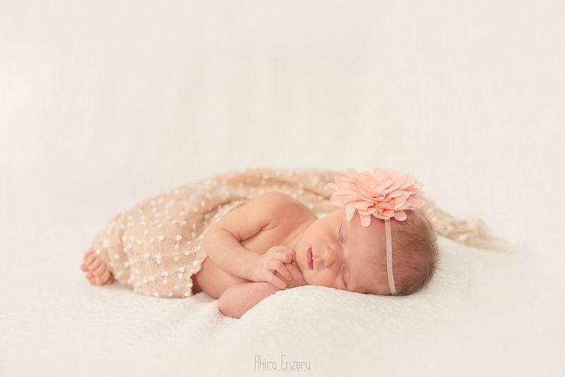 portrait, studio, newborn, baby Новорожденная принцессаphoto preview