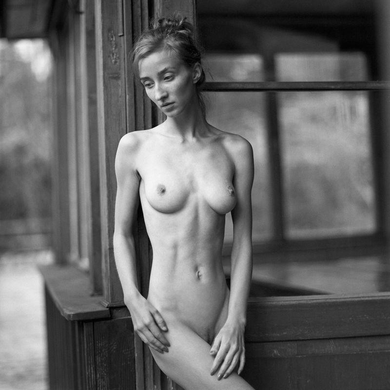 akt, nude, analog, hasselblad, ninoveron, women, bw, fineart, 6x6, Aniaphoto preview