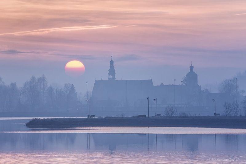 dawn - cistercian monastery - Wąchockphoto preview