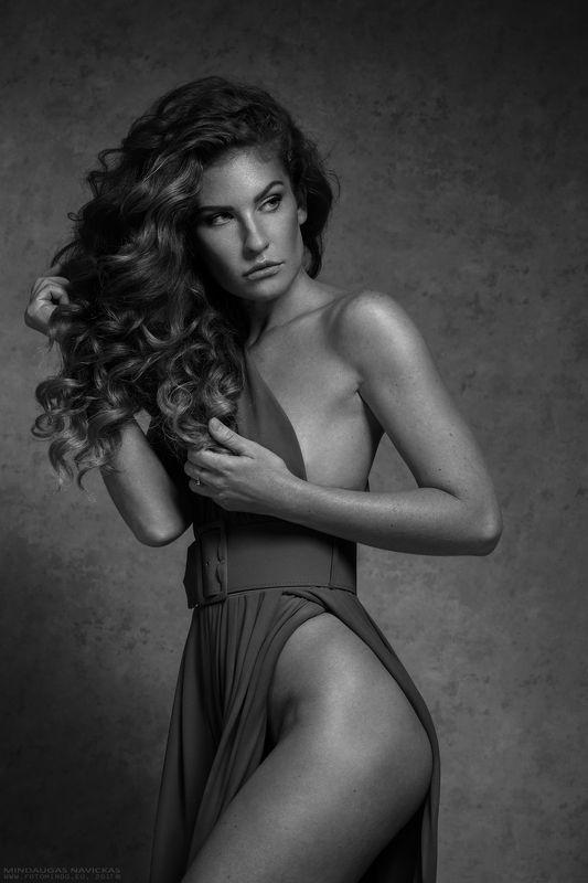 woman, portrait, beauty, glamour, fashion, body, sexy, mindaugas navickas Vaidaphoto preview