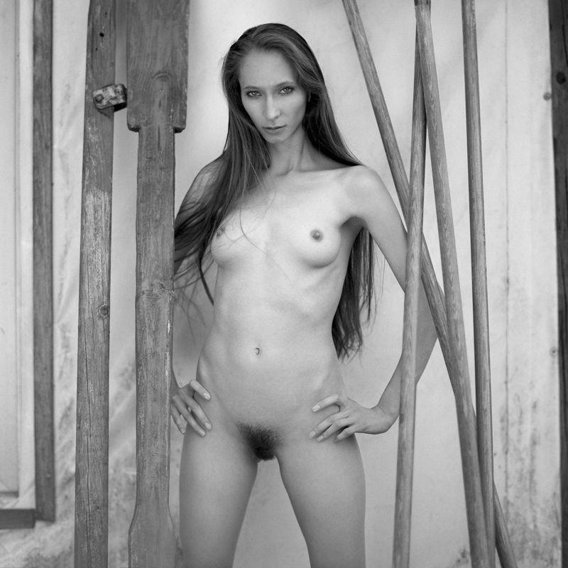 akt, nude, analog, hasselblad, ninoveron, women, fineart, eyes, bw, 6x6, Gracjaphoto preview