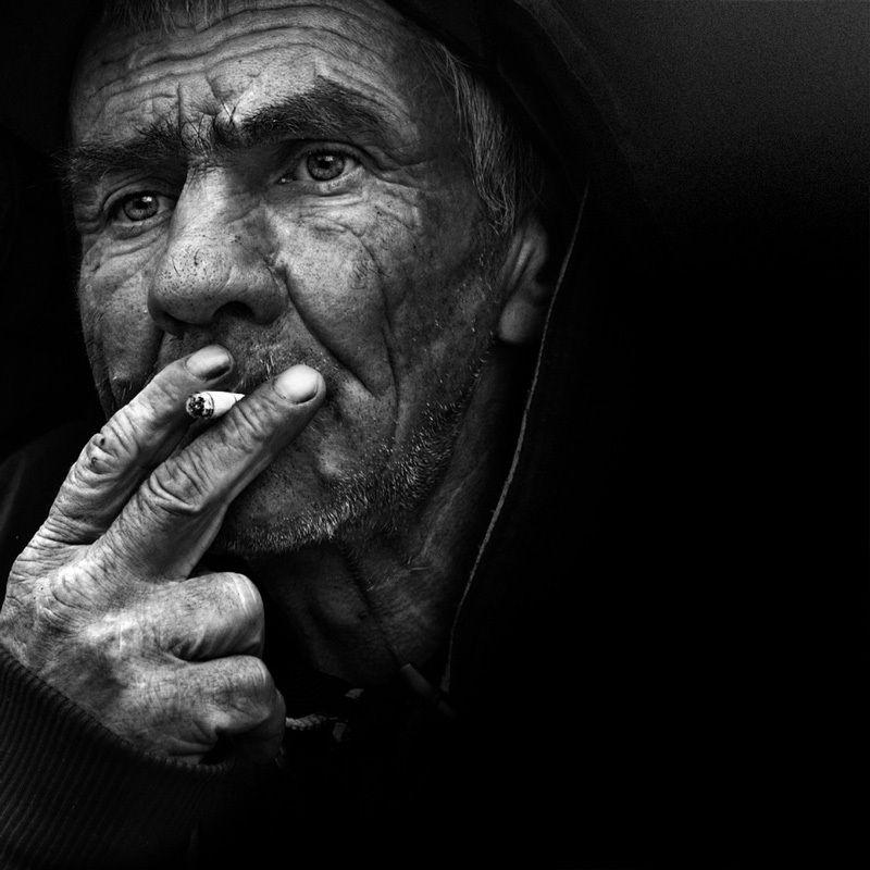 улица ,город ,люди ,лица ,портрет ,санкт-петербург, street photography - а когда-то ходили с песнямиphoto preview