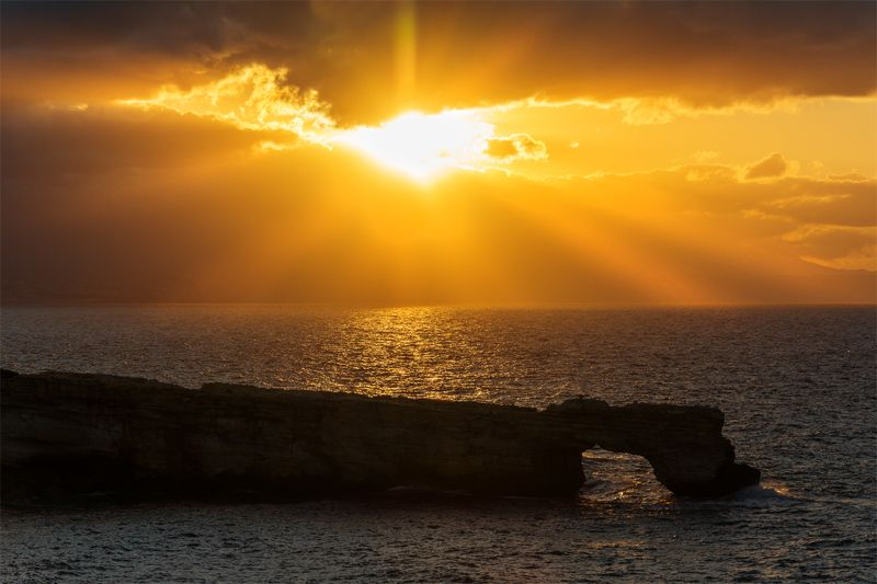 природа, море, пейзаж, скалы, арка, закат, вечер, свет, солнце, прибой, осень *photo preview