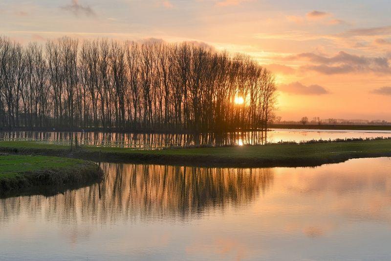 Sunset in Noordschote.photo preview