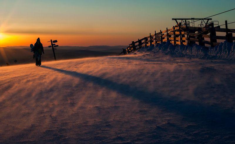 зима, метель, ветер, склоны, розовый вечер, гора, зелёная, шерегеш, горная шория, сибирь Pro ветреный закат на горе Зелёнойphoto preview