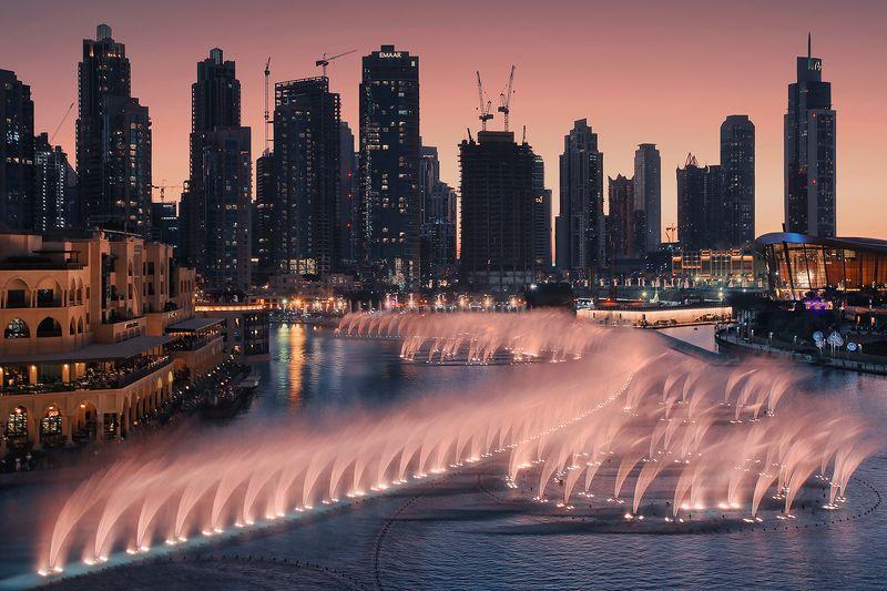 дубай, фонтан, небоскрёбы, вечер, музыка, Поющие фонтаны, Дубайphoto preview