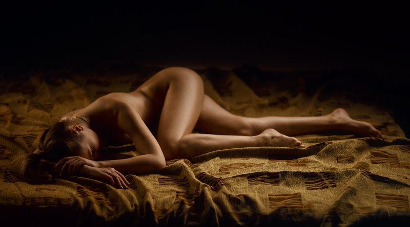 art, artnude, beautiful, girl, light, nu, nude, sexy, studio, sweet, woman, ню, девушка, модель, ню, портрет, portrait Негаphoto preview