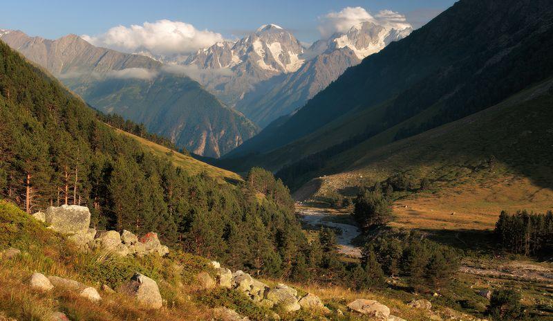 Кавказ, Эльбрус Ущелье Ирикчатphoto preview