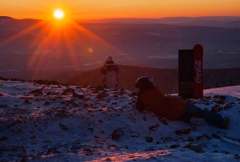 позёмка, метель, ветер, фотоохота, лыжники, сноубордисты, склоны, розовый вечер, зима гора, зелёная, шерегеш, горная шория, сибирь В поисках сюжетаphoto preview