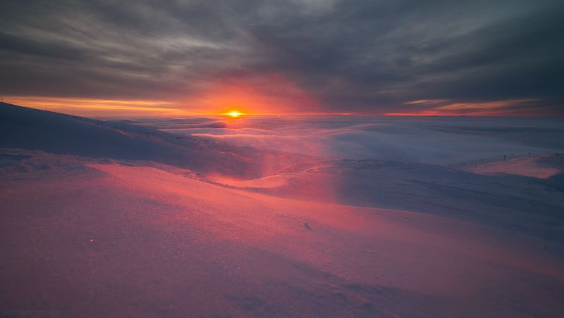 пейзаж,хибины,россия,облака,туман,солнце,зима,горы На рассветеphoto preview