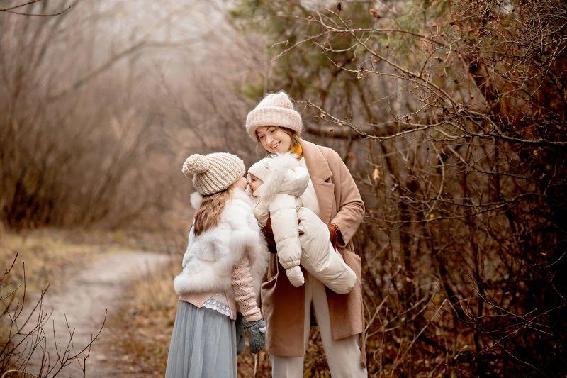 семья, ноябрь, осень Девочкиphoto preview