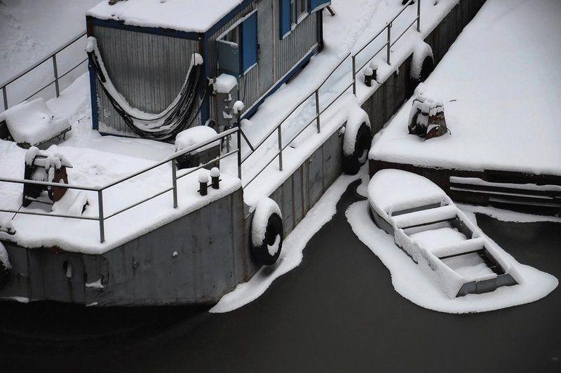 река, навигация, зима Зимняя навигацияphoto preview
