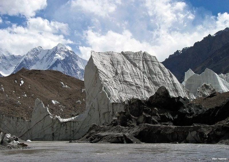 горы, каракорум, китай, ледник, гашербрум, туризм, альпинизм У подножья ледникаphoto preview