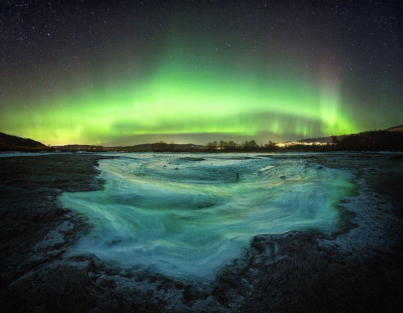 winter,north lights,aurora,borealis,scandinavia,north,norway,norwegian,ice,frozen,sky,night sky,night photo,astronomy, Dreamy winter nightphoto preview