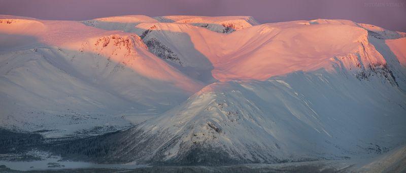 пейзаж,рассвет,россия,светло,солнце,тень,горы,кольский,север первый лучphoto preview