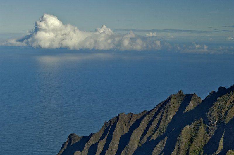 океан, облака, горы, отражение Облака над океаномphoto preview