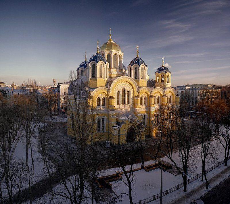 Владимирский собор провожает деньphoto preview
