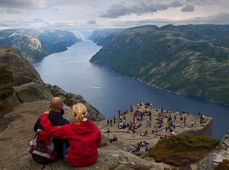 норвегия, люсе-фьорд, прекестулен Над суетойphoto preview