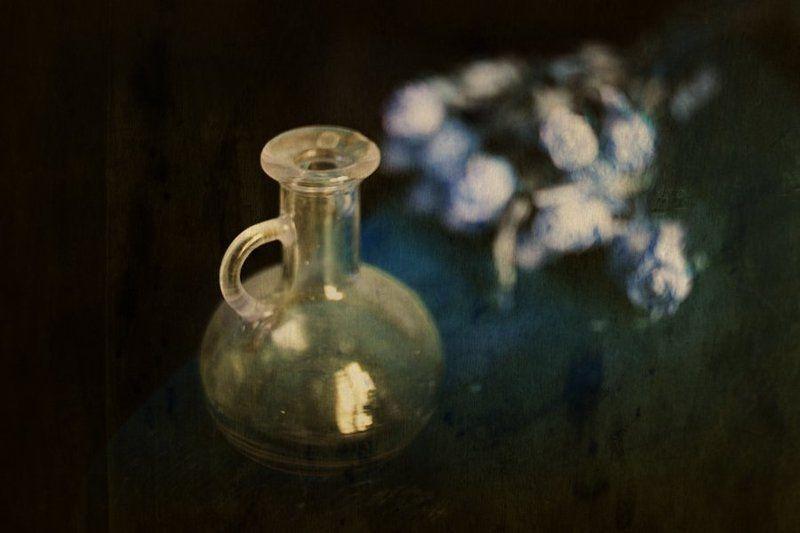 гелиос, осень, натюрморт, листья, бутылки Рисует Гелиосphoto preview