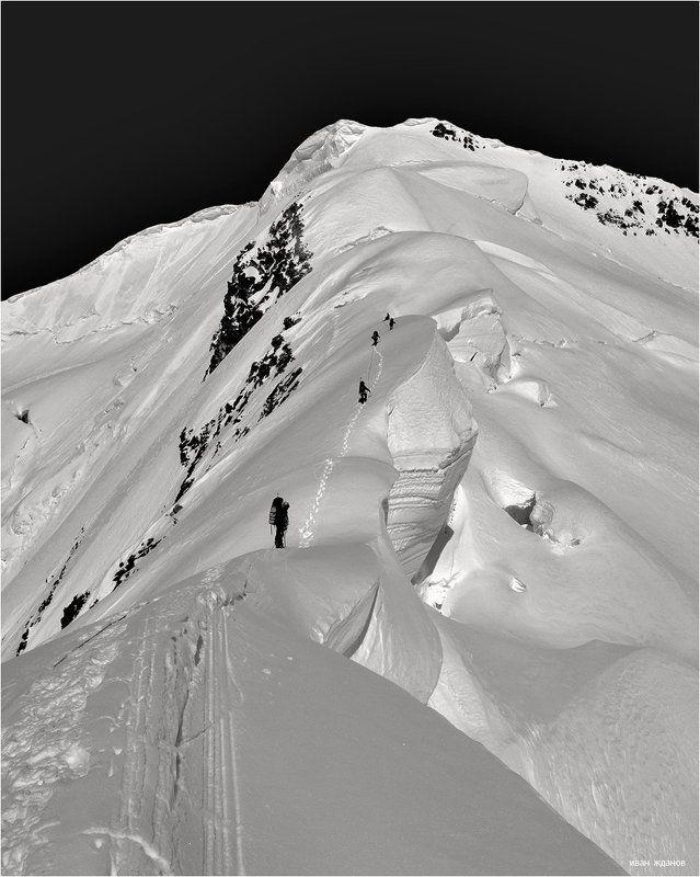 горы, памир, туризм, альпинизм, пик, революции 6974 Почти у целиphoto preview