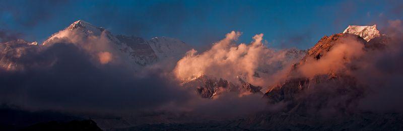 закат, гималаи Приближаясь к логову Спящего Драконаphoto preview