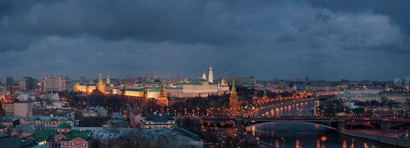 москва, кремль Хмурая Москва.photo preview