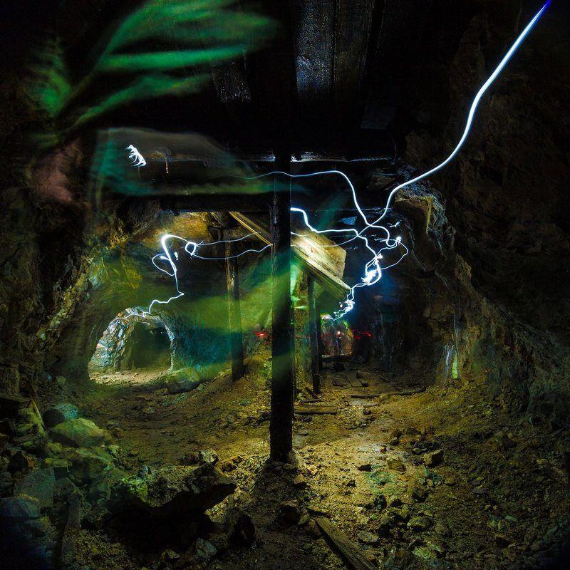 штольня, пещера старая штольня - следыphoto preview