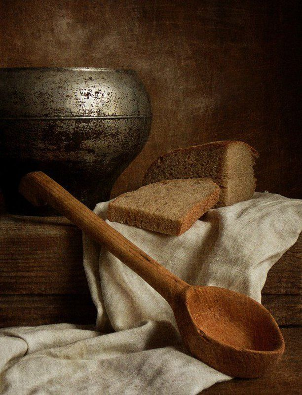 хлеб, ложка Дорога ложка к обедуphoto preview