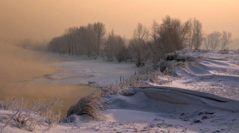 снег, мороз, солнце, вода, туман, деревья, берег Зимний вечер на берегу рекиphoto preview