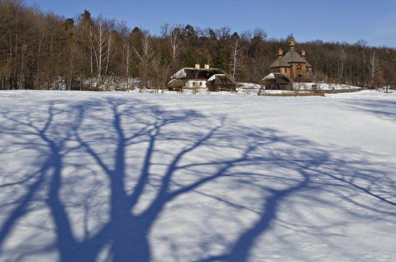 зима, пирогово, киев, село, церковь, снег, тень Последний день февраля в Пироговоphoto preview