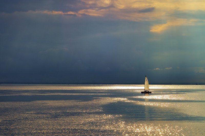 финский залив, яхта Перед штормомphoto preview