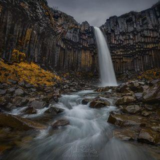 Мокрый Черный Водопад
