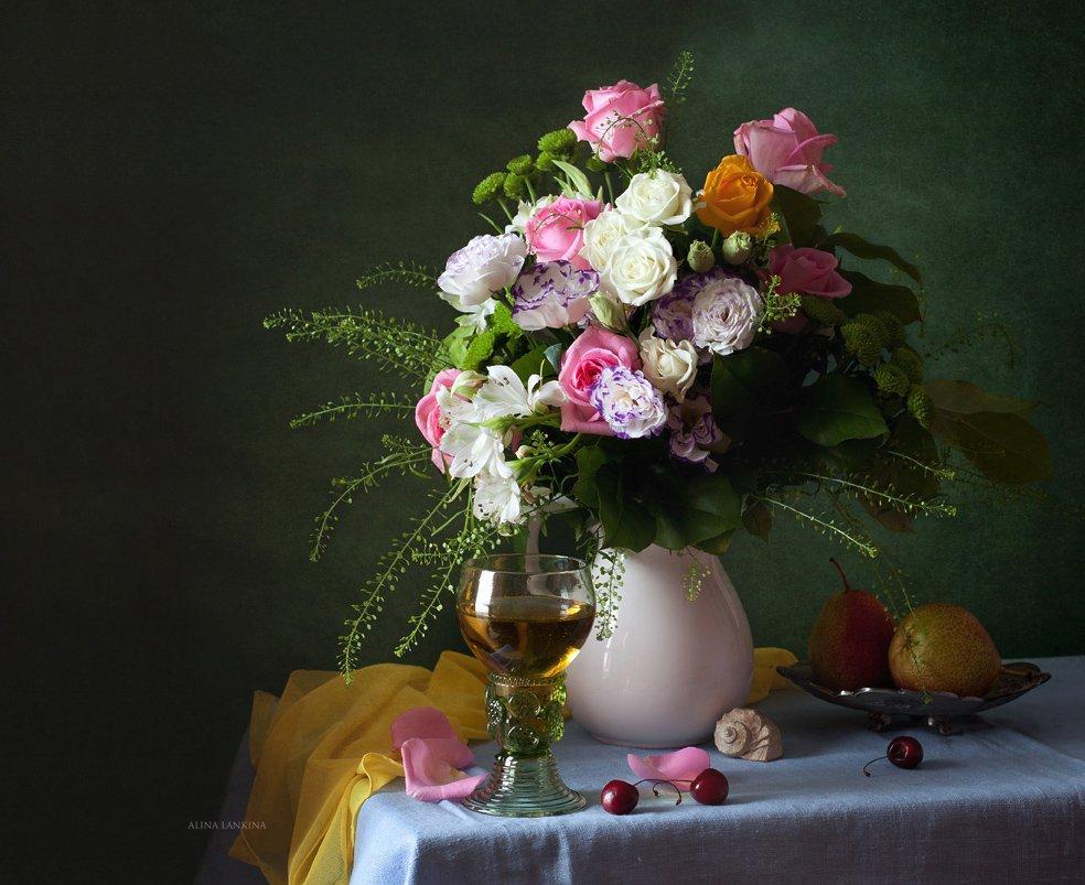 Я в цветущем весеннем саду Вам душистую розу найду!