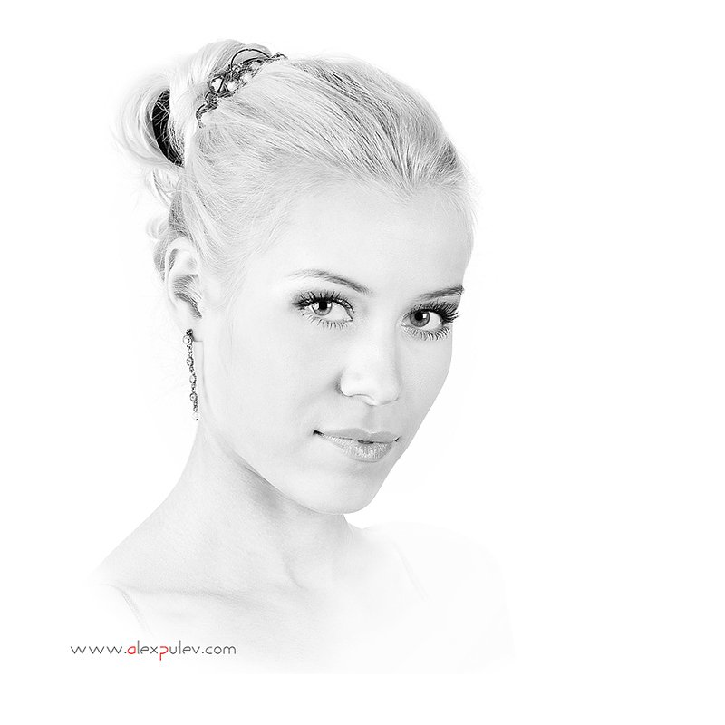 high key,девушка,глаза,портрет,белое,черное,свет,тень, Александр Путев