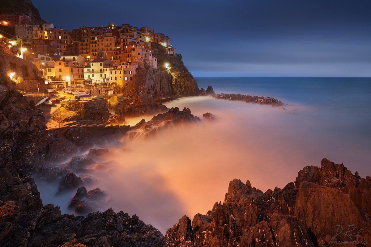 Italia, Italien, Italy, Europe, Liguria, Cinque Terre,  Manarola,  5 Lands, Cinque Terre National park, Unesco, Town, village, sea, cityscape, rocks, stones, blue hour, adriatic, sunset, architecture, spring, Water, daniel rericha, colored houses, coast, , Daniel Rericha