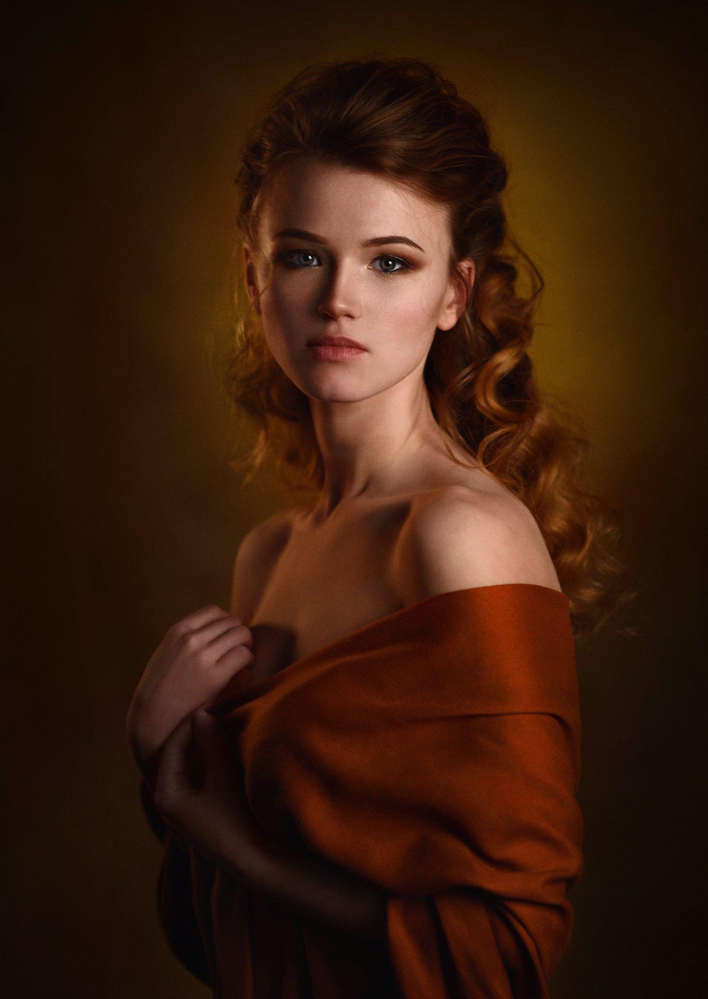 девушка, студия, свет, тень, взгляд, рыжая, платок, Александр Жосан