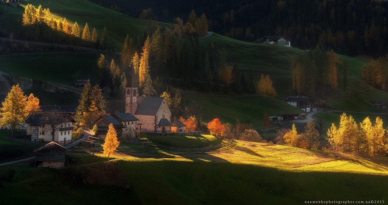 европа, италия, доломиты, путешествие, санта, маддалена, пейзаж, фюнес, деревня, горы, осень, долина, альпийский, природа, тироль, церковь, альпы, ди, юг, магдалена, зеленый, туризм, итальянский, Александр Науменко
