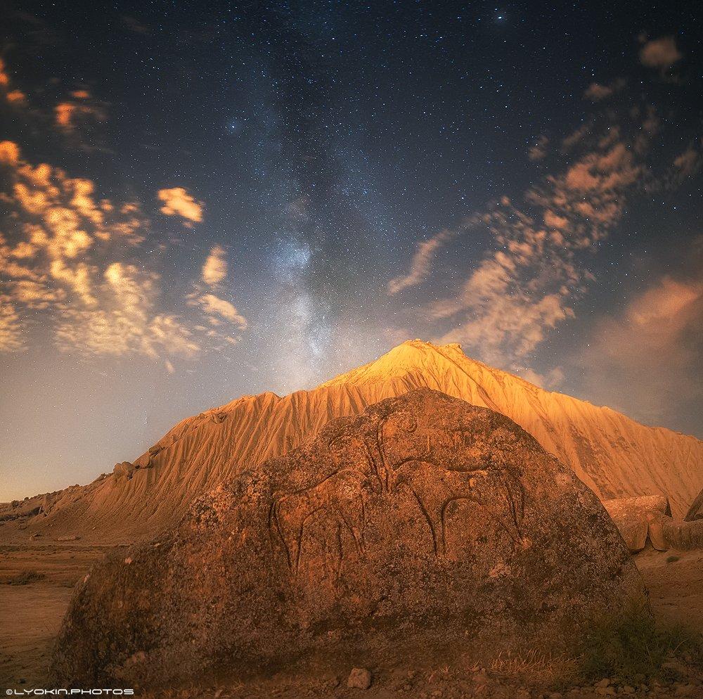 Азербайджан, петроглифы, древность, небо, млечный путь, Lyokin