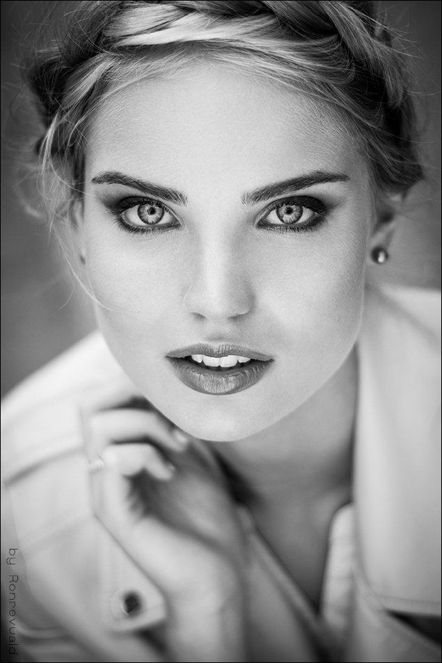 girl,portrait,light,street,beauty,fashion,eyes,moscow,свет,портрет,девушка,bw,black&white, Ronrevuald