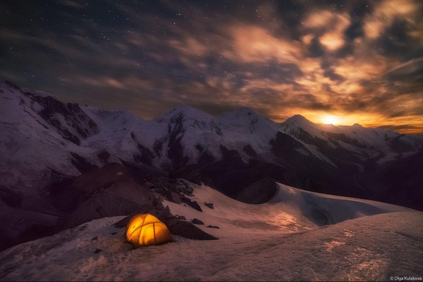 горы, ночь, луна, закат луны, баянкол, пик астана, пик казахстан, пик баянкол, тянь-шань, Ольга Кулакова