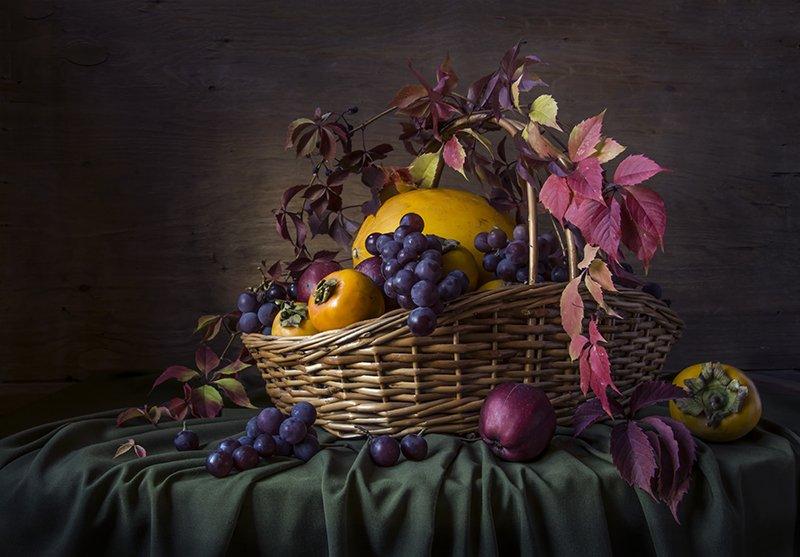 красивый натюрморт с фруктами,хурма,дыня,виноград,художественное фото,искусство,творчество., Костюченко Людмила